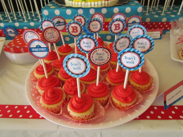 the elmo cupcakes are red elmo cake pops flickr red velvet cake whilst ...